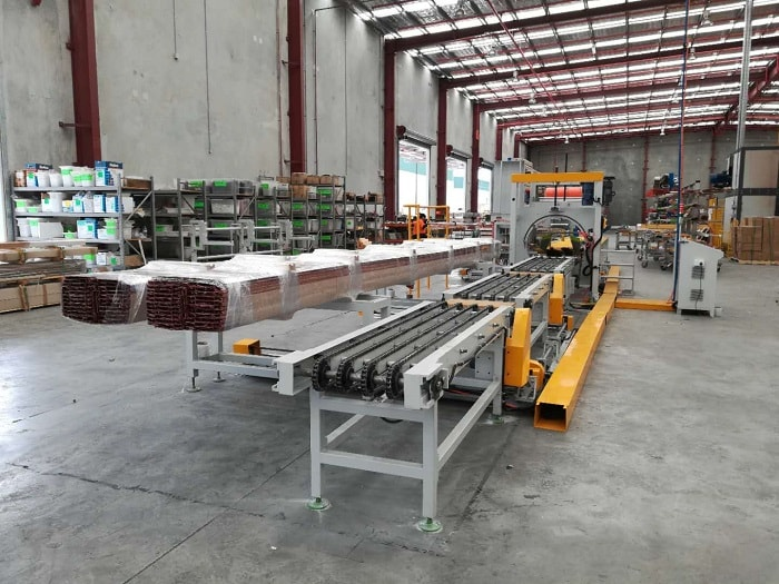 Aluminum profile stretch wrapping machine